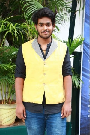 Nagal Movie Pooja Stills