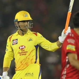 Film stars who praised MS Dhoni's sparkling knock against Kings XI Punjab